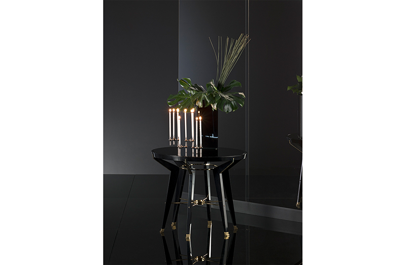 Side Table 03190