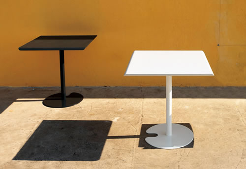 Outdoor Table 05508